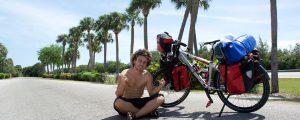 Il fait le tour du monde à vélo